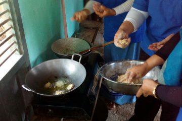 Pelatihan Pengolahan Ikan di POKDAKAN MEKARSARI Karangpucung (17)