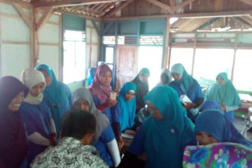 Pelatihan Pengolahan Ikan di POKDAKAN MEKARSARI Karangpucung (8)